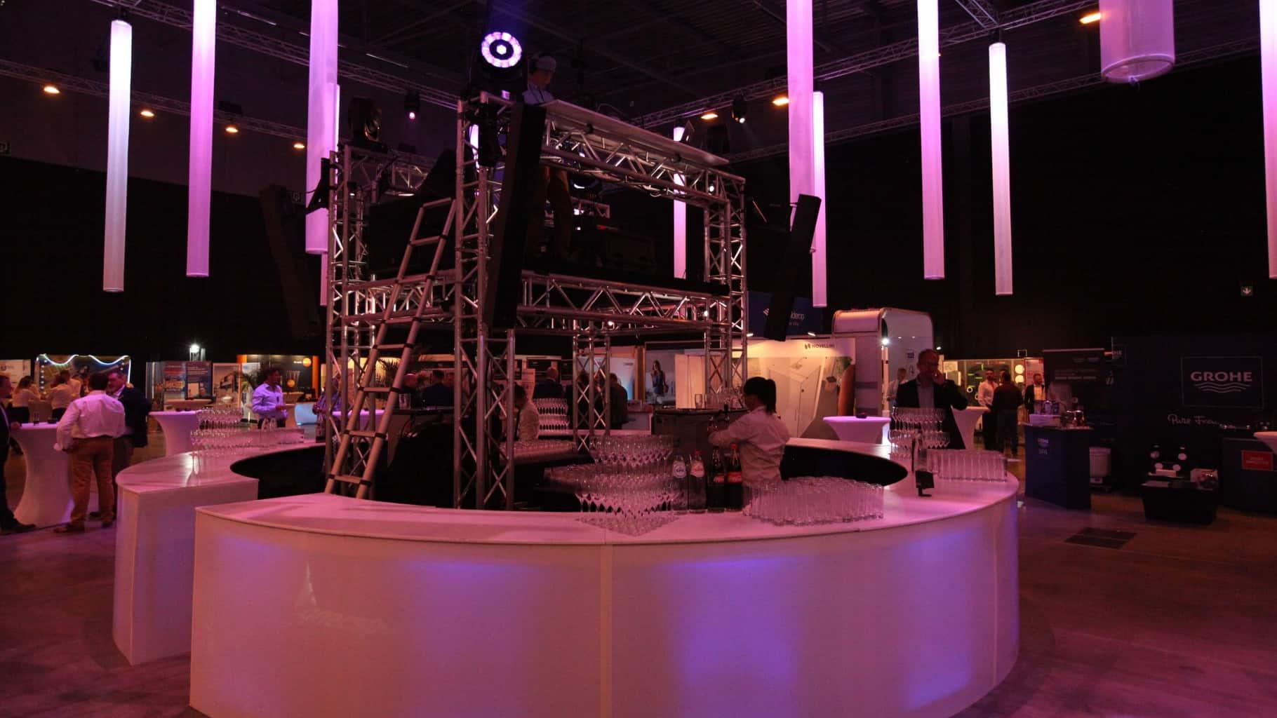 Salon Induscabel organisé par So Event sur le thème de l'ombre et la lumière
