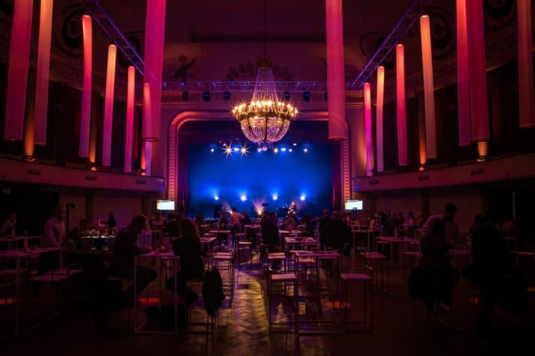 Un dîner avec, dîner-spectacle en compagnie de Renaud Rutten organisé par SO Event